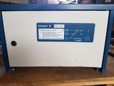 Trakční nabíječ VARTA - E230G24/85
